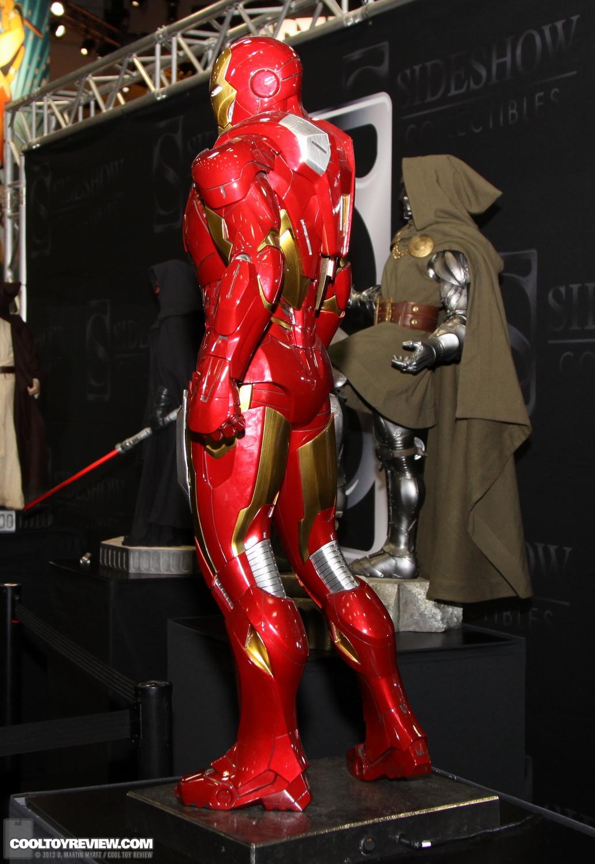 [Sideshow] Iron Man Mark VII - Legendary Scale figure - LANÇADO!!! SDCC_2013_Sideshow_Collectibles_Saturday-014