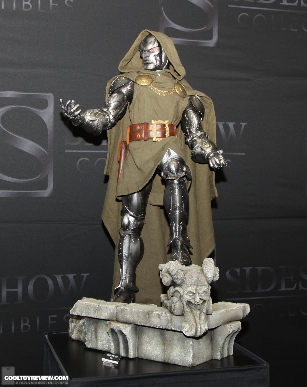 [SideShow] Dr.Doom Legendary Scale Figure - LANÇADO!!! - Página 3 SDCC_2013_Sideshow_Collectibles_Saturday-025