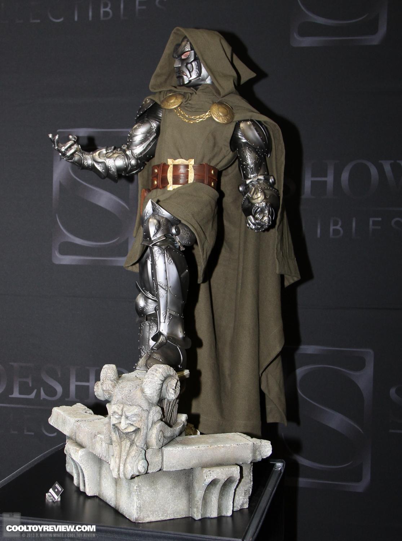 [SideShow] Dr.Doom Legendary Scale Figure - LANÇADO!!! - Página 3 SDCC_2013_Sideshow_Collectibles_Saturday-027