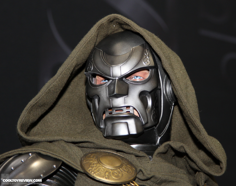 [SideShow] Dr.Doom Legendary Scale Figure - LANÇADO!!! - Página 3 SDCC_2013_Sideshow_Collectibles_Saturday-028