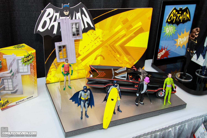 [Mattel] [Tópico Oficial] Batman Classic 1966 TV Figure Box Set - SDCC Exclusive 2013_International_Toy_Fair_Mattel_Batman_Classic_TV_Series-02