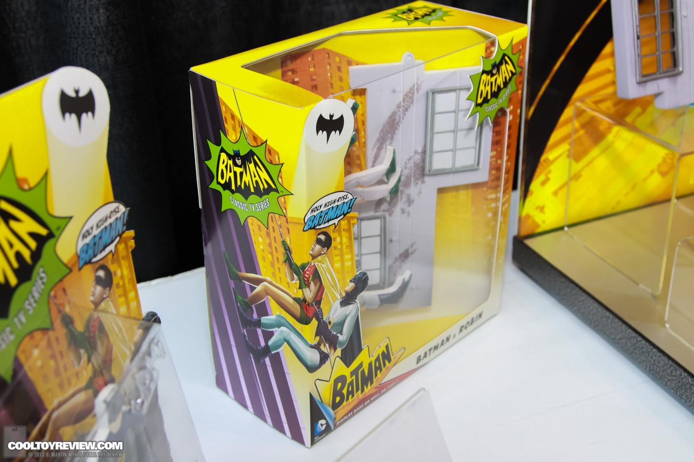 [Mattel] [Tópico Oficial] Batman Classic 1966 TV Figure Box Set - SDCC Exclusive 2013_International_Toy_Fair_Mattel_Batman_Classic_TV_Series-05