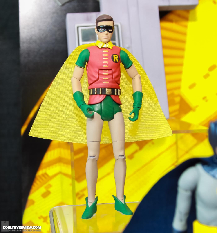[Mattel] [Tópico Oficial] Batman Classic 1966 TV Figure Box Set - SDCC Exclusive 2013_International_Toy_Fair_Mattel_Batman_Classic_TV_Series-06