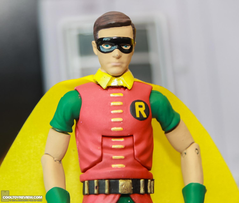 [Mattel] [Tópico Oficial] Batman Classic 1966 TV Figure Box Set - SDCC Exclusive 2013_International_Toy_Fair_Mattel_Batman_Classic_TV_Series-07