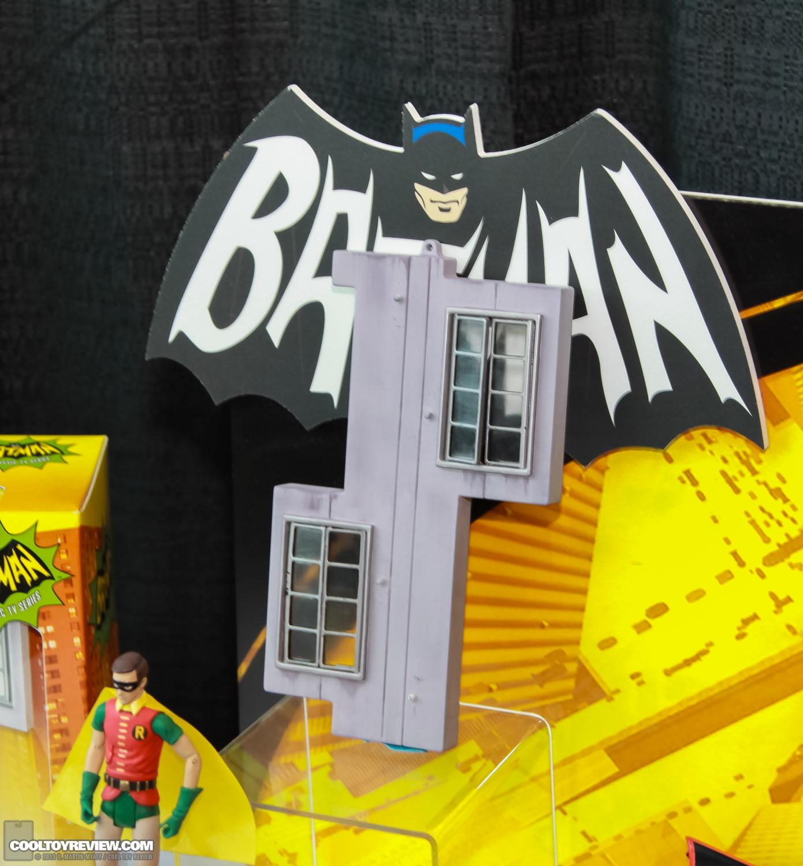 [Mattel] [Tópico Oficial] Batman Classic 1966 TV Figure Box Set - SDCC Exclusive 2013_International_Toy_Fair_Mattel_Batman_Classic_TV_Series-17