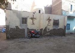 بالصور .. كنيسة العذراء بقرية الجلاء في أيدي المتشددين Coptstoday-1426191690
