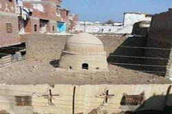 بالصور .. كنيسة العذراء بقرية الجلاء في أيدي المتشددين Coptstoday-1426191916