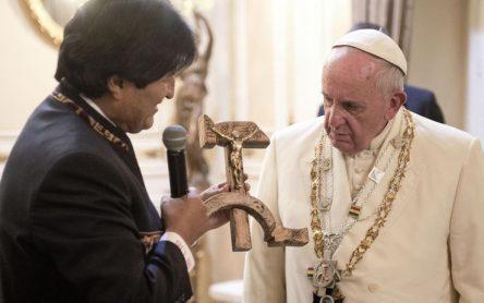 Bergoglio ist jetzt der Führer der Welt verlassen 4papa_francesco_bolivia_morales_1-444x278