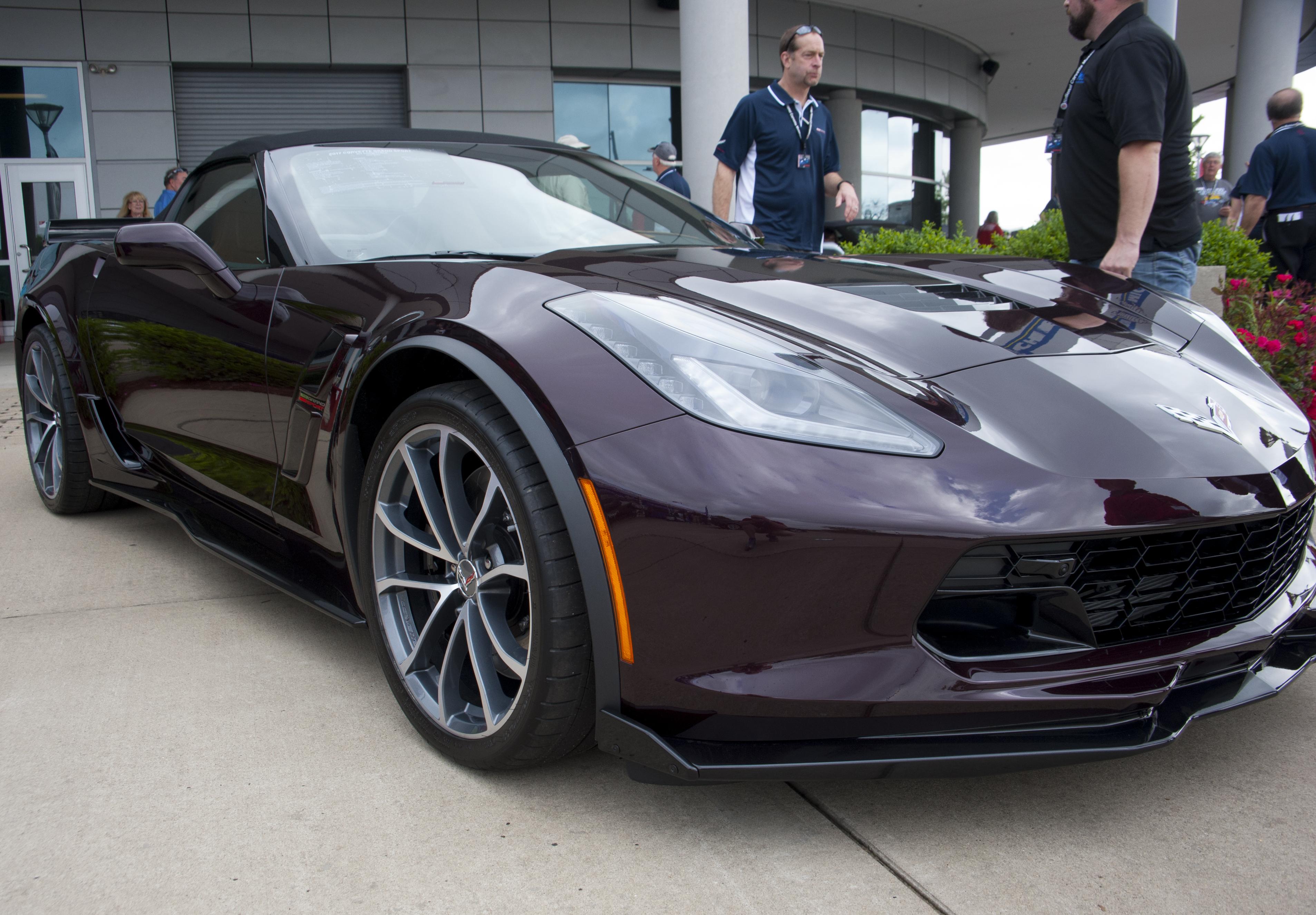 Nouvelles couleurs C7 aux USA Black-Rose-3LT-Convertible