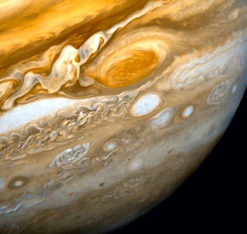 La tempête sur Saturne n'en finit plus JupiterTacheRouge