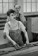 loi 1973 giscard pébereau - retour sur la création de la banque d'angleterre Chaplin_at_the_conveyor