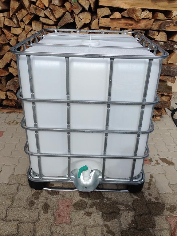 Cuve 1000 litres (récupération eau de pluie) IMG_5853.JPG