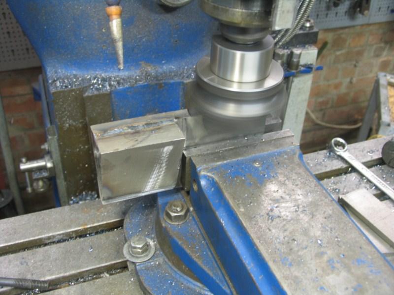 fabrication d'une scie a ruban pour métaux - Page 5 Scm130