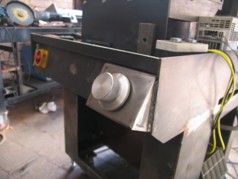 fabrication d'une scie a ruban pour métaux - Page 17 Scm322