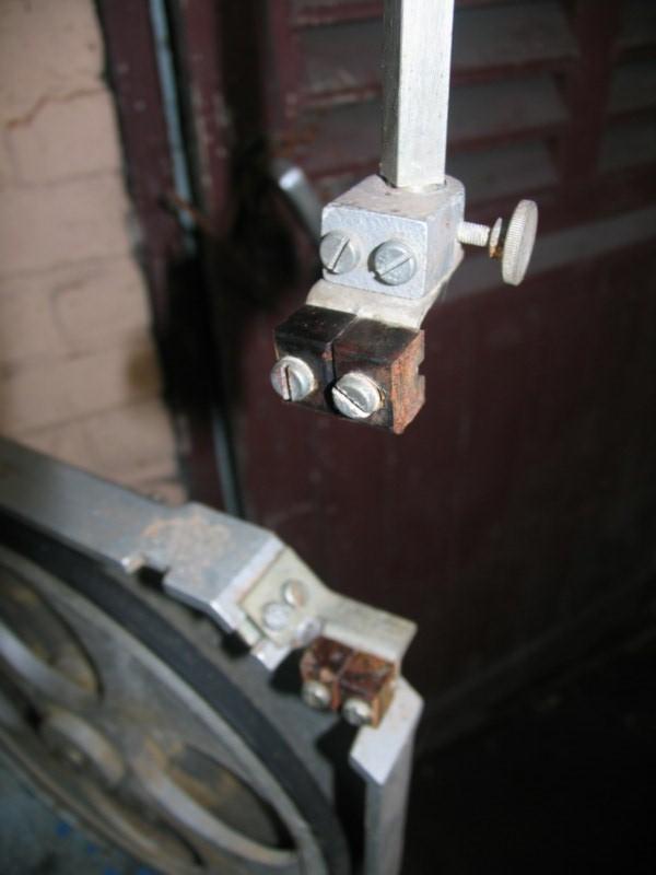 Remise en état d'une petite scie à ruban Sc03