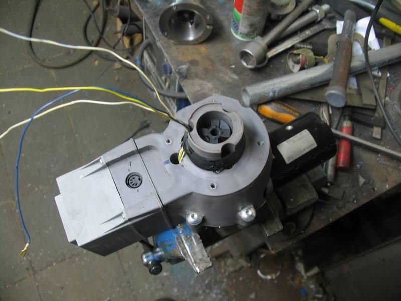 Un pied électrique pour backstand Pb-16