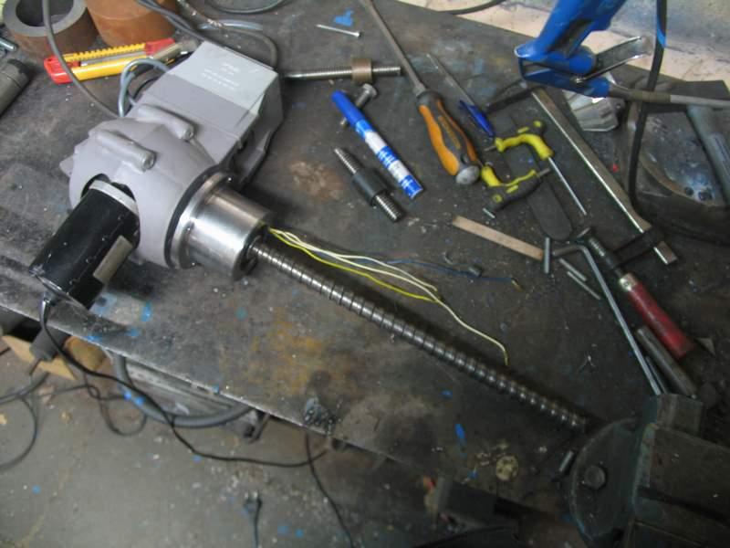 Un pied électrique pour backstand Pb-22