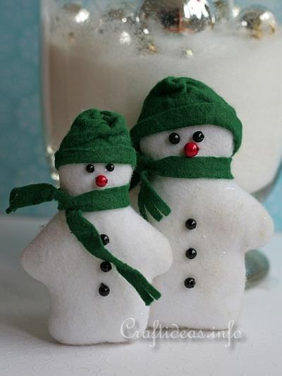 Felt Snowmen Pair Patchwork_and_Sewing_Craft_for_Christmas_-_Felt_Snowman_Pair