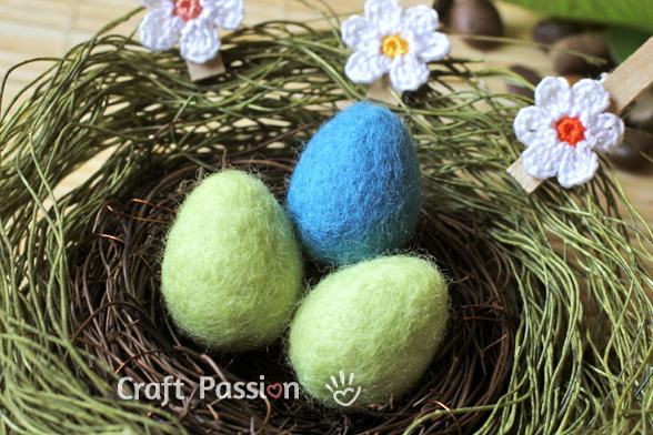 Сувениры к Пасхе - Страница 3 Easter-eggs-wet-felting-2