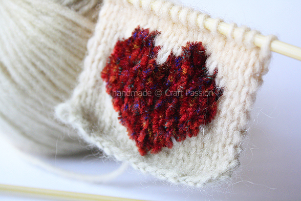 khăn trái tim Knit-A-Heart-1