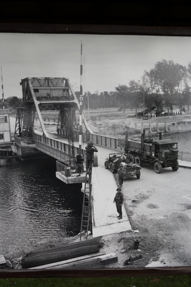 D-Day - La prise du Pegasus Bridge, 6th Airborne, 5, 6 juin 1944 640-1539_6e6139fb6d5061e3cdaa3c9d662c2fb3