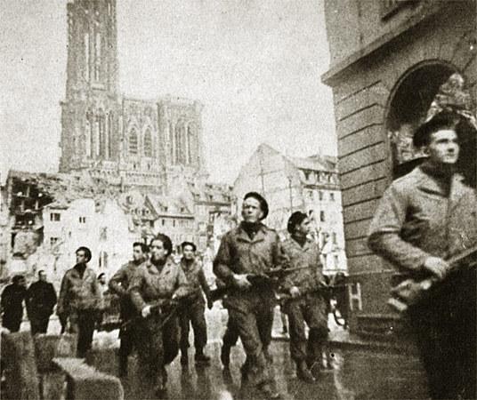 23 novembre 1944 : Le Serment de Koufra tenu à Strasbourg  Image09