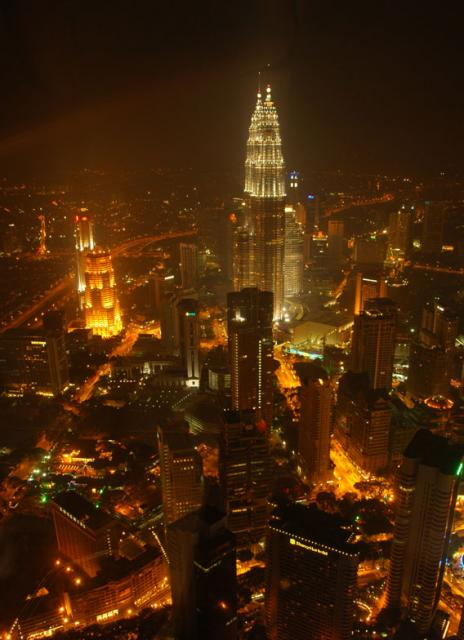 JAKATTAA! OR KL! Adia-2007-08-03-DSC-3481-cityscape-at-night-featuring-twin-petronas-towers-malaysia-kuala-lumpur-cringel.com.preview