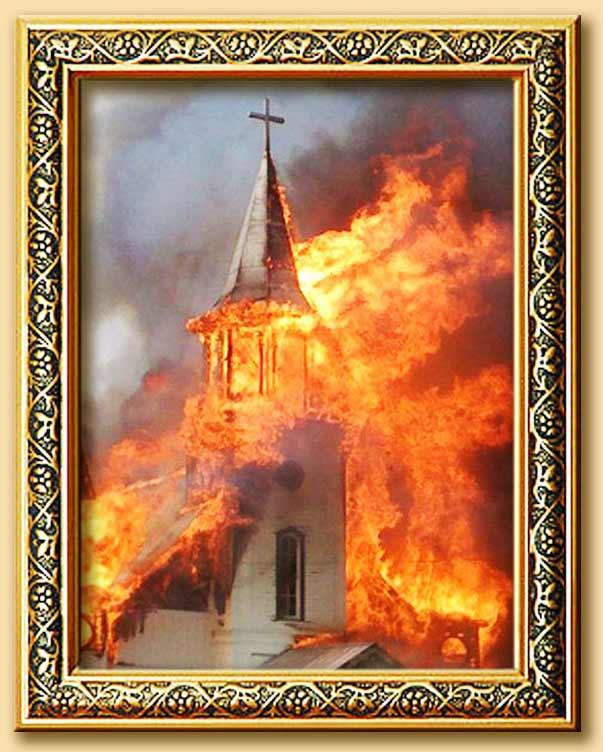 """""""SEDE VACANTE"""" del R.P. Joaquín Sáenz y Arriaga - Page 8 Chiesa_in_fiamme"""