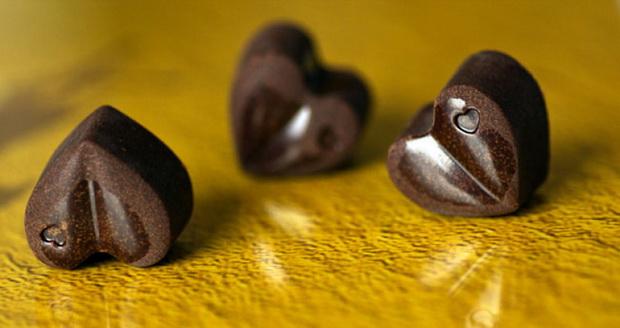 Čokoladna romantika - Page 11 Vo-samo-3-cekori-podgotvete-neodolivi-cokoladni-pralini-01