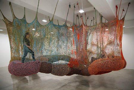 Дизайнерские идеи и милые уютности: кресла, стулья, пуфы, лампы, часы...  Ernest-neto-crochet-art