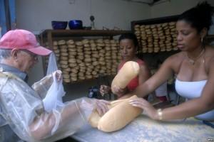 El pan(de la libreta) kubano...(guerra fra panettieri in quel di Guanabo) AF5EEA4D-E0C1-46B3-A1F0-5627C44CB3DA_mw800_s-300x200