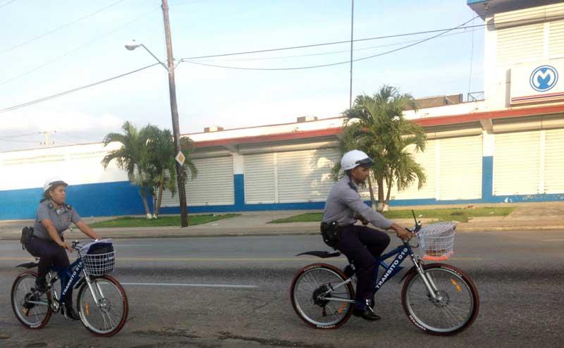 ¿Otra vez la bicicleta? Bici_Policia