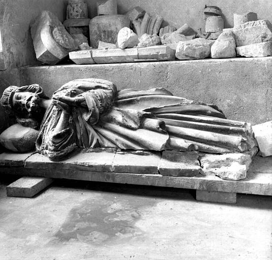 Pour un musée de la basilique et des tombeaux royaux Sap01_56v01842_p