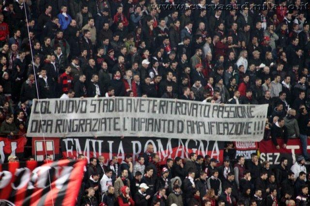 AC Milan       - Pagina 2 Phoca_thumb_l_milan%20juventus%202011-2012_18