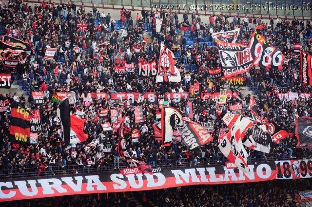 AC Milan       - Pagina 2 Phoca_thumb_l_milan%20lecce%202011-2012_01
