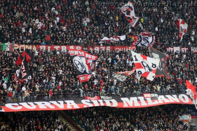 AC Milan       Phoca_thumb_l_milan%20palermo%202011-2012_20