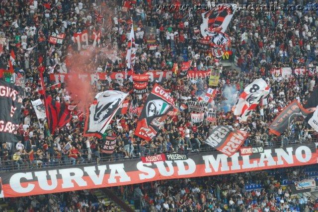 AC Milan       Phoca_thumb_l_milan%20udinese%202011-2012_05