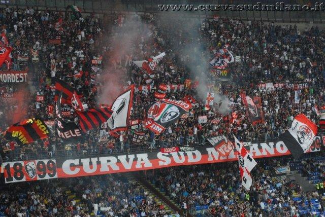 AC Milan       Phoca_thumb_l_milan%20udinese%202011-2012_07