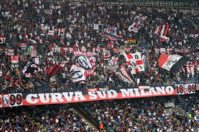 AC Milan       Phoca_thumb_l_Milan%20%20Viktoria%20Plzen%202011-2012_01