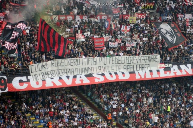 AC Milan       Phoca_thumb_l_Milan%20%20Viktoria%20Plzen%202011-2012_03