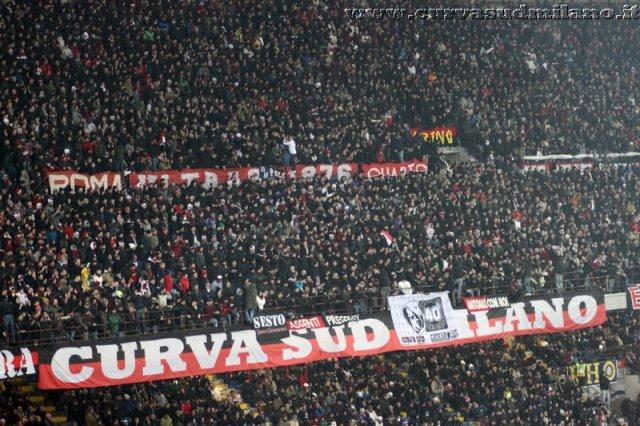AC Milan       - Pagina 2 Phoca_thumb_l_inter%20milan%202012-2013%2025