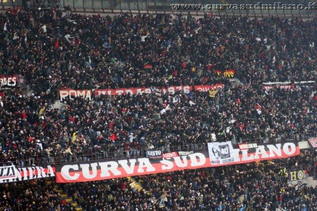 AC Milan       - Pagina 2 Phoca_thumb_l_inter%20milan%202012-2013%2032