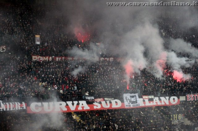 AC Milan       - Pagina 2 Phoca_thumb_l_inter%20milan%202012-2013%2035