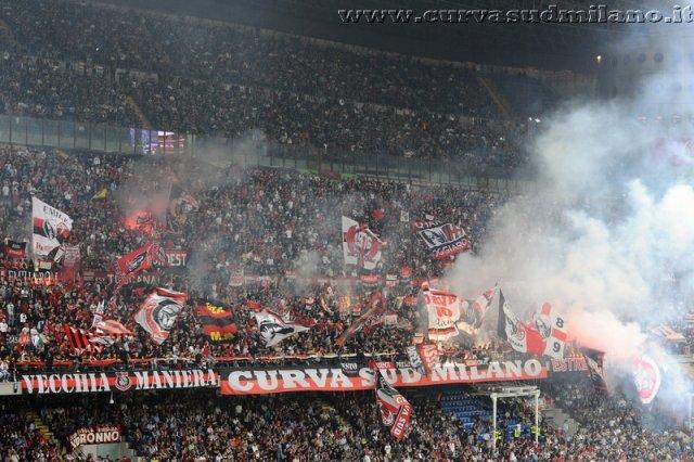 AC Milan       - Pagina 2 Phoca_thumb_l_milan_inter%202012-2013_19
