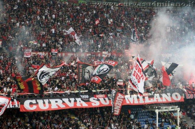 AC Milan       - Pagina 2 Phoca_thumb_l_milan_inter%202012-2013_58