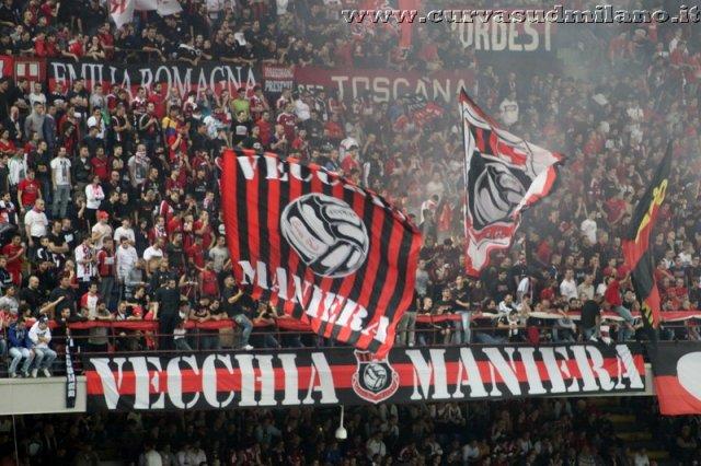 AC Milan       - Pagina 2 Phoca_thumb_l_milan_inter%202012-2013_60