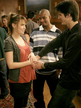 OTH Galery Cw-onetreehill-prt-episode764_003991-8f70d7-281x374