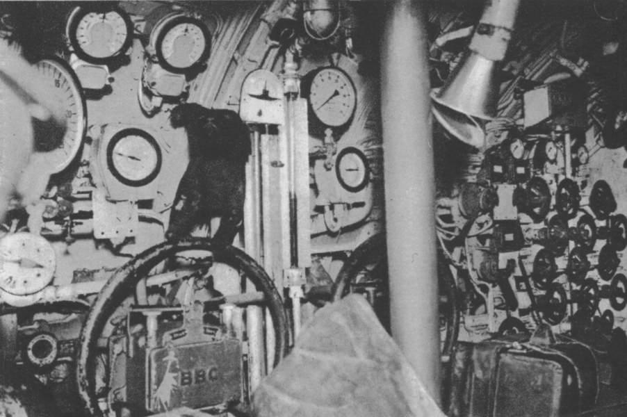 photos de sous-marin et de leur équipage Pic16