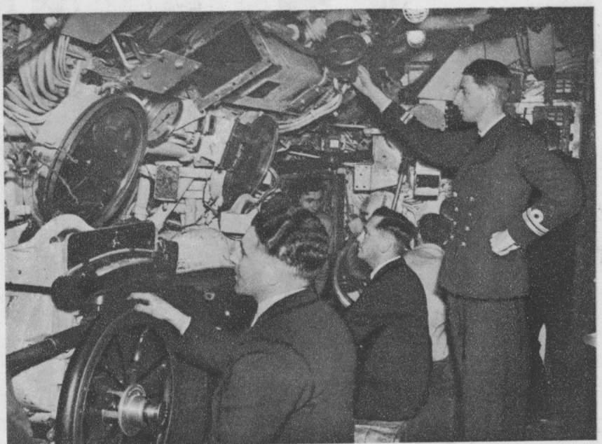 photos de sous-marin et de leur équipage Pic2