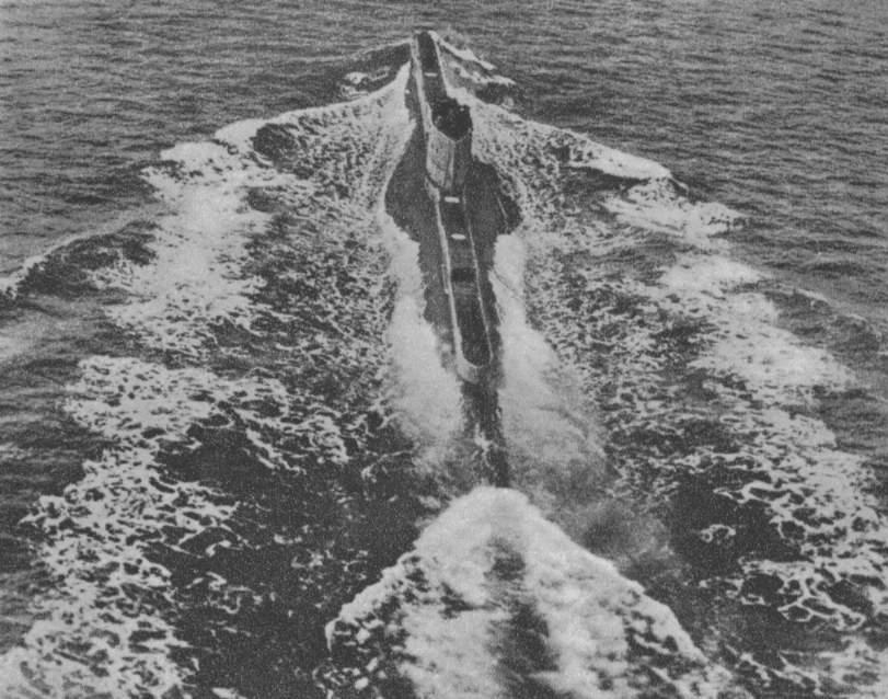 photos de sous-marin et de leur équipage Pic50